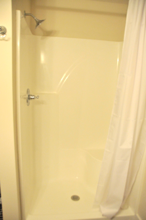 <b>Spacious shower</b> - includes built-in seat & excellent water pressure.  Don't worry, you have a 40 gallon water heater, so go ahead & take that extra long shower.